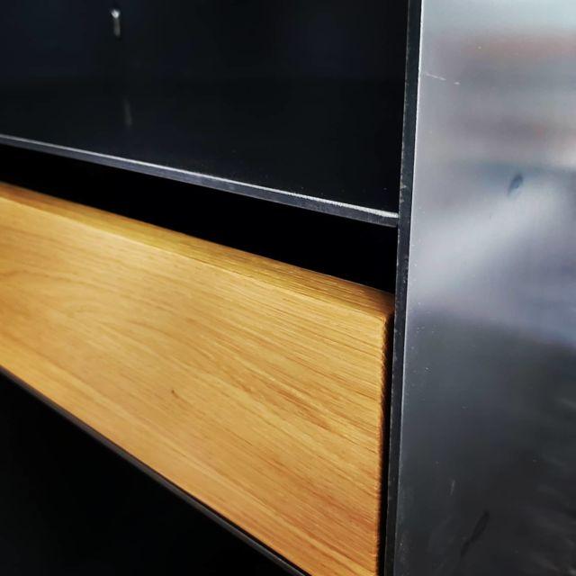Ein neues Kaminholzregal für einen glücklichen Kunden. #kamin #metallbau #designfurniture #design #bauhaus